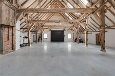 Idea for workshop – see the space (old farm) – frame and wooden columns – Sigrid Ouwehand Stommel Haus, Interior Architecture, Interior And Exterior, Barn House Conversion, Wooden Columns, Wooden Frames, Converted Barn, Barn Renovation, Farmhouse Remodel