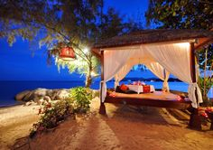 For a romantic gateaway here are service providers with the best deal in Honeymoon Packages in Kolkata