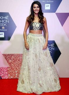 Shibani Dandekar at the curtain raiser of Lakme Fashion Week Summer/Resort 2016. #Bollywood #LFW16 #Fashion #Style #Beauty #Sexy #Marathi