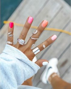 spring nails 2020 gel prom dress makeup nail design inc nail makeup makeup nailart ten nail amp; makeup studio inc nail makeup makeup ideas makeup games brush nail designs airbrush makeup Summer Acrylic Nails, Best Acrylic Nails, Pink Summer Nails, Summer Nails Almond, Cute Spring Nails, Summer Nail Polish, Pink Ombre Nails, Gradient Nails, Rainbow Nails