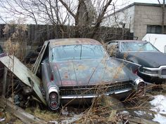 Abandoned Fargo Sportman. Wow. Wish I had one of these. Awesome.
