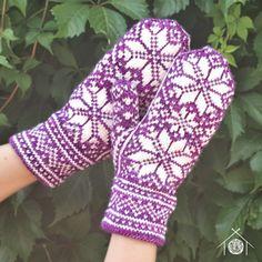 Knitting Charts, Knitting Patterns Free, Free Knitting, Free Pattern, Galt House, Knit Mittens, Scandinavian Design, Fingerless Gloves, Arm Warmers