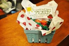We could not have PICKED a better bunch of teachers! This cute strawberry basket makes a quick and easy DIY Teacher Appreciation gift! Teacher Gift Baskets, Teacher Treats, School Gifts, School Fun, School Stuff, School Ideas, Personalized Teacher Gifts, Teacher Christmas Gifts, Teacher Appreciation Week