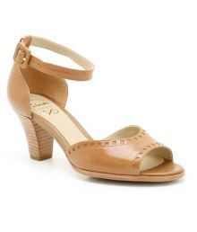 Don't Wish to wear those high heels? Here you go classy with your Kitten's!