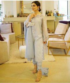 Pakistani Fashion Casual, Pakistani Dress Design, Pakistani Dresses, Desi Wedding Dresses, Party Dresses, Kurta Neck Design, Lehenga Designs, Indian Designer Wear, Stylish Dresses
