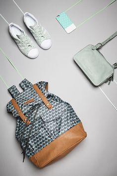 Die Farbe Mint hat eine angenehme und beruhigende Wirkung auf Menschen – und ist deshalb ideal, um sie in dein tägliches Leben einzubinden. Ob als Rucksack, Sneaker oder Smartphone-Cover – unser OTTO Pinterest-Team hat ein paar Ideen für Dich vorbereitet.