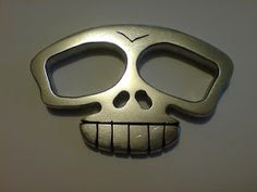 WeaponCollector's Knuckle Duster and Weapon Blog: New Skull Knuckle Duster / Brass Knuckles