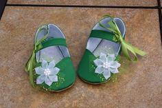 Just too precious!! Tinkerbell Inspired Toddler Costume Shoes by GallopingRock on Etsy