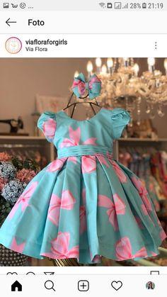 Vestidinho Cute Little Girl Dresses, Dresses Kids Girl, Kids Outfits Girls, Cute Dresses, Girl Outfits, Flower Girl Dresses, Baby Dress Design, Baby Girl Dress Patterns, Kids Frocks