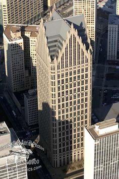 Commerica Tower / One Detroit Center Detroit, Michigan Detroit Skyline, Detroit Michigan, Minecraft City Buildings, Detroit Motors, Detroit History, Aerial Photography, Nature Photography, Building Design, Amazing Architecture