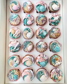 Mermaid cupcakes – For all your cake decorating supplies, please visit www.craft… – … Mermaid cupcakes – For all your cake decorating supplies, please visit www. Cupcakes Design, Yummy Cupcakes, Cupcake Cookies, Elegant Cupcakes, Cupcake Toppers, Pretty Cakes, Beautiful Cakes, Amazing Cakes, Decorated Cookies