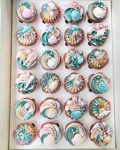 """7,601 Likes, 100 Comments - Lottie & Belle (@lottieandbelle) on Instagram: """"Mini vanilla cupcakes """""""