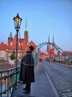 The Wrocław Lamplighter | Wroclaw