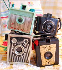 Vintage cameras http://www.pinterest.com/freshvintage/our-shop-freshvintage-at-highland-orchards/  ... http://www.pinterest.com/vickyvomito1/c-a-m-%C3%A9-r-a-s/  http://www.pinterest.com/mar0umar0u/camera/
