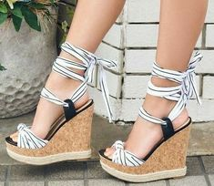 Dizzy Platform Wedges from 52 of the Great Platform Wedges collection is the most trending shoes fashion this summer. This Great Platform Wedges look was carefully discovered by our shoes… Shoes Heels Wedges, Wedge Heels, Pumps, Pretty Shoes, Cute Shoes, Fashion Heels, Men Fashion, Fashion Tips, Cute Sandals