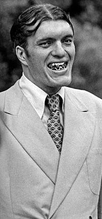 Jaws (Richard Kiel) - The Spy Who Loved Me