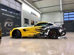 Sunflower camo design Mercedes AMG GT R