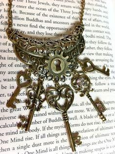 skeleton key necklace (note: link doesn't work)