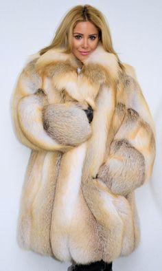 golden island fox fur coat ༺♥༻༺♥༻✿ڿڰۣ(♥NYrockphotogirl ♥ Details Info  Beauty & Fashion Fur Sale