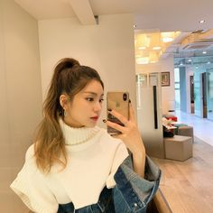 Discover recipes, home ideas, style inspiration and other ideas to try. Kpop Girl Groups, Korean Girl Groups, Kpop Girls, Grunge Hair, Soyeon, Kpop Aesthetic, Aesthetic People, Aesthetic Black, Ulzzang Girl