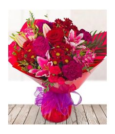 Treasure your loved ones with this amazing bouquet is full of romantic and sweet flowers.