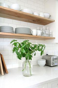 New Kitchen Tiles Modern Back Splashes Open Shelving Ideas White Subway Tiles, Subway Tile Kitchen, Kitchen Backsplash, Backsplash Ideas, Tile Ideas, Kitchen Countertops, Kitchen Mosaic, Backsplash Design, Kitchen Interior