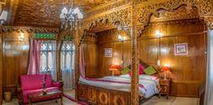 Luxury Houseboat in Kashmir Valley  https://naazkashmirblog.wordpress.com/2016/07/01/luxury-houseboat-in-kashmir-valley/
