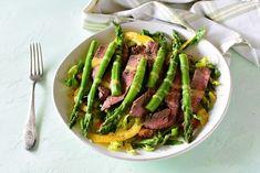Low carb letní salát s blanšírovaným chřestem a plátky flank steaku  #lowcarb  #keto  #paleo Keto, Paleo, Flank Steak, Asparagus, Lowes, Low Carb, Vegetables, Recipes, Food