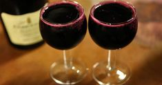 A study on elderly individuals found a link between drinking alcohol in moderation and increased longevity. According to a 2007 study on aging and dementia, drinking coffee and alcohol in moderation may help you live longer. The study Wine Drinks, Detox Drinks, Alcoholic Drinks, Smoothie, Coconut Oil Coffee, Juice Cleanse, Live Long, Vitamins And Minerals, Red Wine