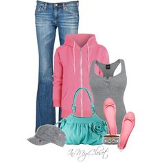 How cute is this casual look! The pink hoodie ties it all together nicely.
