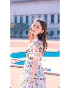 Shared by BLACKLIST. Find images and videos about girl, fashion and pretty on We Heart It - the app to get lost in what you love. Cute Young Girl, Cute Girls, Western Girl, Uzzlang Girl, Cute Girl Face, Cute Beauty, Beautiful Girl Image, Aesthetic Girl, Girl Pictures