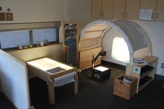 Havergal College: Light & Shadow - JK classroom ≈≈ paper roll next to the light table. Play Spaces, Learning Spaces, Learning Environments, Learning Centers, Kid Spaces, Early Learning, Classroom Setting, Classroom Setup, Classroom Design
