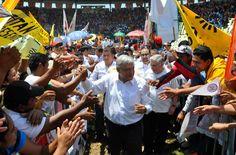 30/Marzo/2012 Día 1 - López Obrador inicia su campaña en Macuspana, Tabasco, el lugar que lo vio nacer.