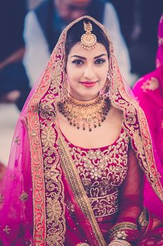 Stunning Wedding Dresses Stylish and Eye-Catching look 2017 Asian Bridal, Indian Bridal Wear, Pakistani Bridal, Bridal Lehenga, Indian Wear, Indian Attire, Indian Outfits, Indian Dresses, Bridal Outfits