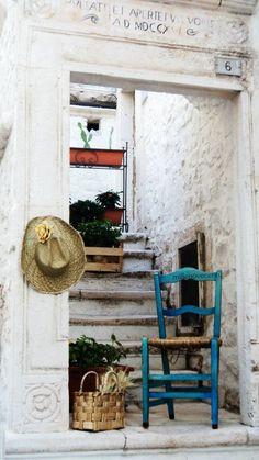 ~ Antico portale del 1716 - Locorotondo, Puglia (Italy)-photo by Antonella Posa ~