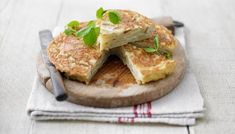 Tortilla (spanish omelette) good picnic food, simple ingredients, I need a better skillet though Tapas Recipes, Barbecue Recipes, Great Recipes, Cooking Recipes, Favorite Recipes, Egg Recipes, Family Recipes, Recipies, Spanish Omelette