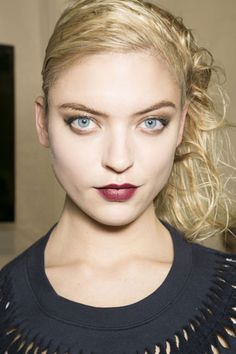 THE BEST MAKEUP LOOKS FROM FALL 2013: Wine-Hued Lips - When the leaves start to turn and there's that first chill in the air, absolutely nothing beats a glass (or two) of full-bodied red wine.