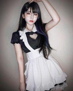 Asian Woman, Asian Girl, Female Pose Reference, Anime Girl Hot, Beautiful Japanese Girl, Girl Fashion, Fashion Outfits, Cute Girl Face, Female Poses