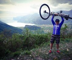 Passobrutalo #stolz #brutaletour #passoduesassi #arcorechtshoch #mtb #bike #singletrail #awesomeview #awesome_earthpix #awesome_foto #berge #gardaseeblick #see #italia #hauruck #torbole #rivagarda #mountainbike