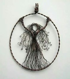 How to make a wire wrapped pendant. Wire Wrapped Tree Of Life Ornament - Step 10 Wire Wrapped Pendant, Wire Wrapped Jewelry, Beaded Jewelry, Handmade Jewelry, Wire Pendant, Bijoux Fil Aluminium, Wire Weaving, Bijoux Diy, Beads And Wire