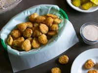 Hooters Fried Pickles Copycat Recipe