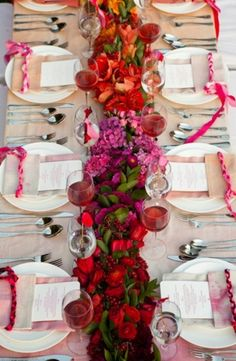 bold hues make for a beautiful table and the need for a little less decor since it draws the eye everywhere!