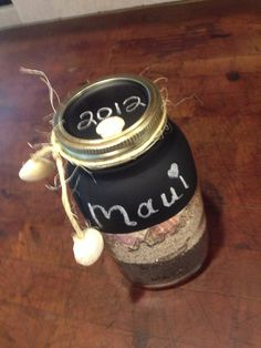 Love this chalkboard paint idea ...turn out nice! Quick too!