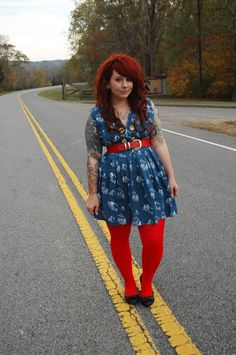 Maybe with mustard yellow tights Love Her Style, Mom Style, Curvy Girl Fashion, Plus Size Fashion, Cool Outfits, Fashion Outfits, Plus Size Girls, Hot Dress, Sexy Hot Girls