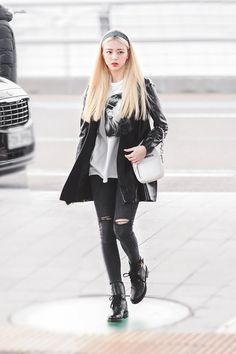 Kpop Outfits, Girl Outfits, Casual Outfits, Fashion Outfits, Kpop Fashion, Asian Fashion, Girl Fashion, Daily Fashion, Moda Kpop