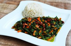 Karotten-Spinat-Curry mit Würzmandeln Curry, Lunch, Vegan, Dinner, Recipes, Almonds, Carrots, Lunch Ideas, Coconut Milk