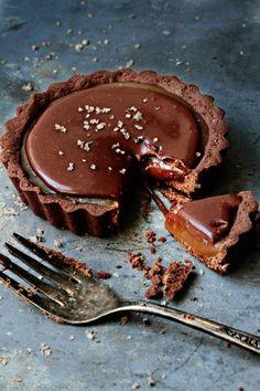Chocolate Caramel Tart | Desserts | Yummy Recipe Ideas