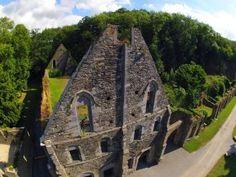 Abbaye de Villers-La-Ville l L'hôtellerie - Vue aérienne (Zoom Région - Vincent Vanham)