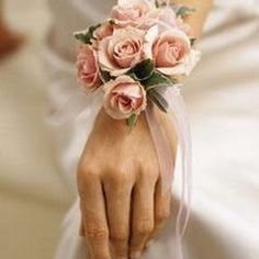 DIY: How to make a Corsage