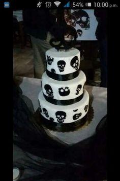 Halloween Cakes, Halloween Treats, Pirate Wedding, Skull Wedding, Gothic Wedding, Beautiful Cakes, Amazing Cakes, Goth Cakes, Scary Cakes
